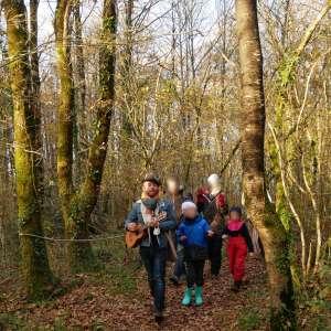 Eveil en balade dans le petit bois chez Marmaille et Pissenlit - Happy Sapiens